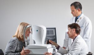 Logran detectar evidencias tempranas del alzhéimer con un examen ocular