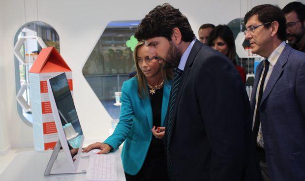 López Miras destaca el ahorro de 22,3 millones de la central de compras