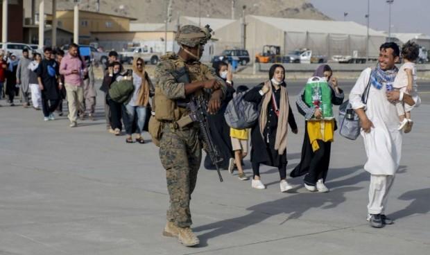 Los afganos que soliciten asilo en España recibirán la vacuna Covid