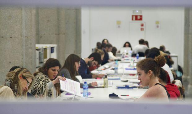 """Los alumnos de Medicina ahondan en la crisis de la URJC: """"Clasistas"""""""
