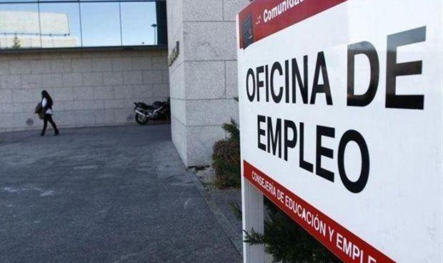 Los contratos indefinidos a médicos aumentan un 37,5% en el último año