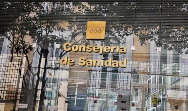 Los corrillos médicos prefieren a un 'colega' para Díaz Ayuso