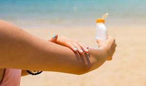 Los dermatólogos piden mejorar la normativa sobre protectores solares