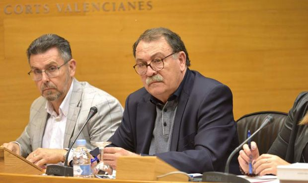 """Los empleados de Alzira: """"Trabajamos más horas, pero también ganamos más"""""""