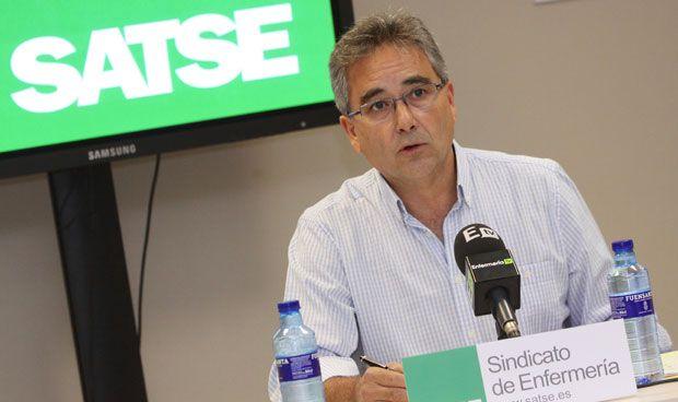 Los enfermeros exigen triplicar la subida de sueldo propuesta por Hacienda