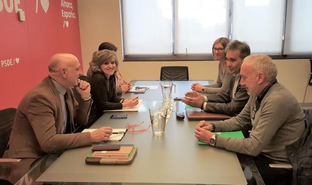 Los enfermeros piden al PSOE su apoyo para aprobar la ley de ratios