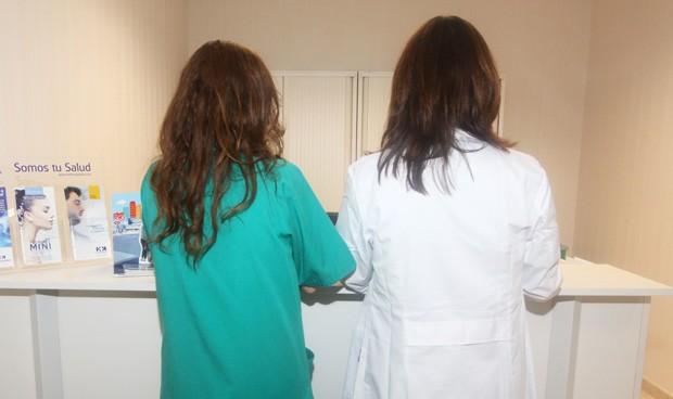 Los enfermeros son los más valorados del hospital y los médicos ganan en AP