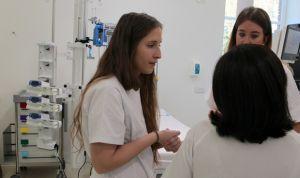 """Los enfermeros tildan de """"ataque al sector"""" la suspensión de las 35 horas"""