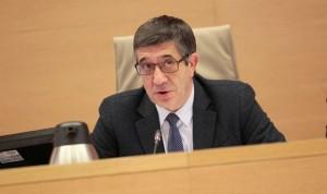 Los españoles proponen al Congreso dar plaza fija a los interinos del SNS