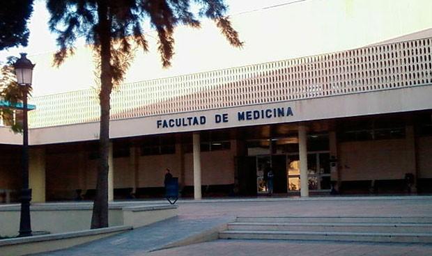 Estos estudiantes de Medicina tendrán dos años más para terminar el grado