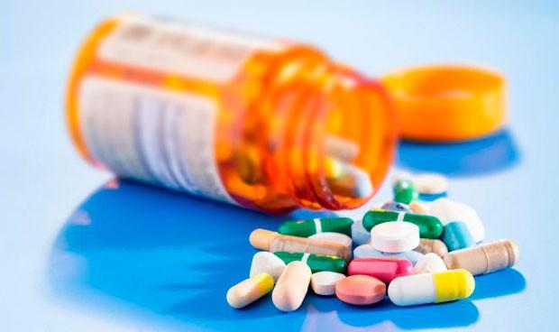 """Los fármacos suponen una """"carga económica"""" para el 57% de hogares españoles"""