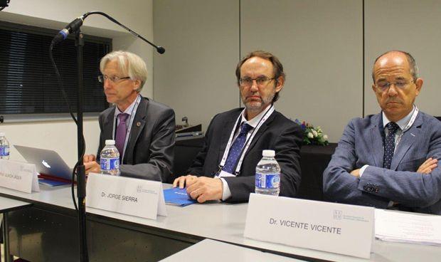 Los hematólogos exigen un mínimo de cinco años de formación en España