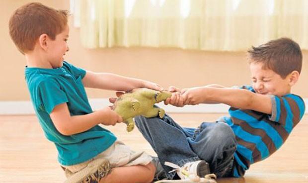 Los hermanos de niños con autismo o TDAH, con más riesgo de padecerlos