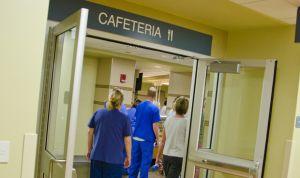 Los hospitales valencianos pagarán la comida a todo el personal de guardia
