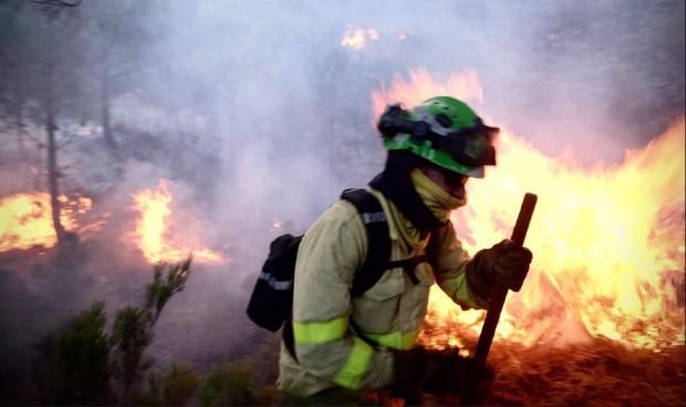 Los incendios aumentan un 18% los casos de enfermedad grave de Covid-19