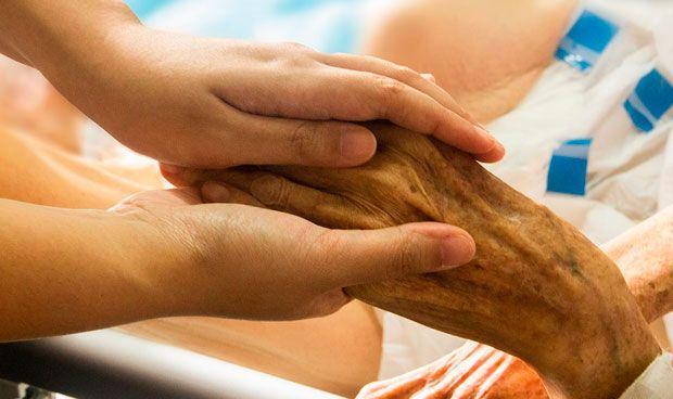 Los internistas abogan por mejorar los cuidados paliativos no oncológicos