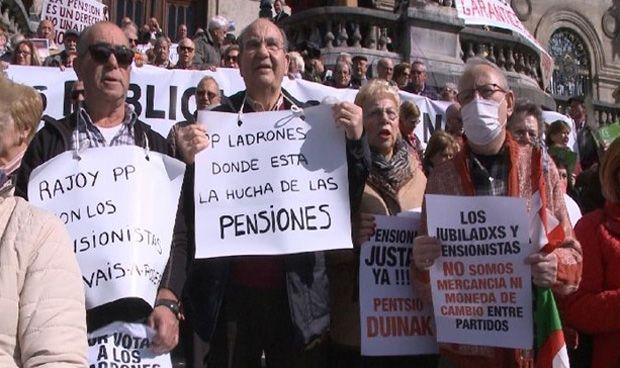Los médicos, ajenos a la batalla política de los jubilados españoles