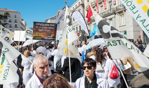 Los médicos 'calzan' una de sus reivindicaciones en campaña electoral