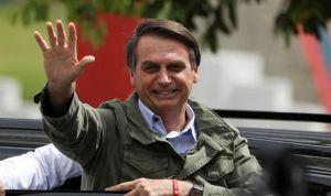 Los médicos de Cuba empiezan a abandonar Brasil como queja contra Bolsonaro