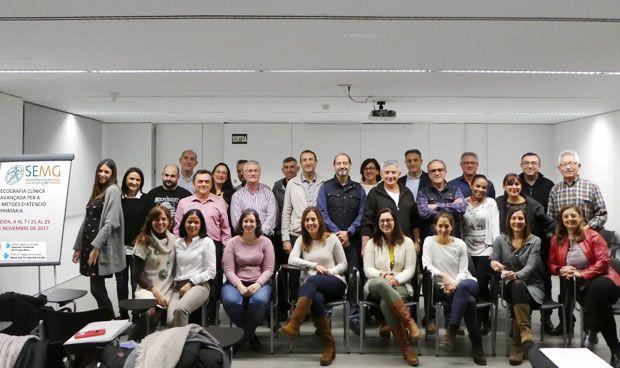 Los médicos de Familia catalanes se forman en ecografía clínica
