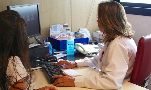 Los médicos de Interna que ganaron la OPE de 2011 se quedan sin plaza