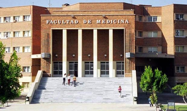 Los médicos de Murcia reconocen la labor de la UMU en Medicina