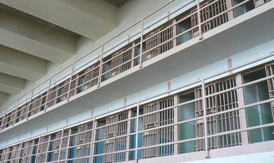 Los médicos de Prisiones amenazan con una huelga