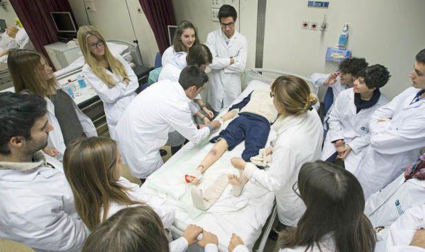 Los médicos jóvenes despiden marzo con un aumento del 40% en tasa de paro