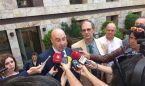Los médicos madrileños entregan más de 13.200 firmas al Defensor del Pueblo