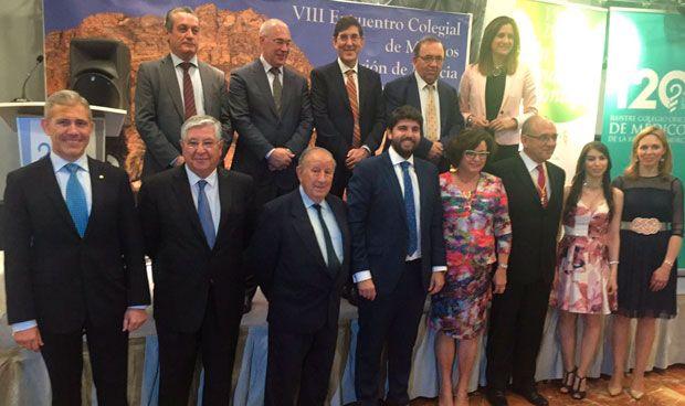 """Los médicos murcianos """"sorprendidos"""" con López Miras"""