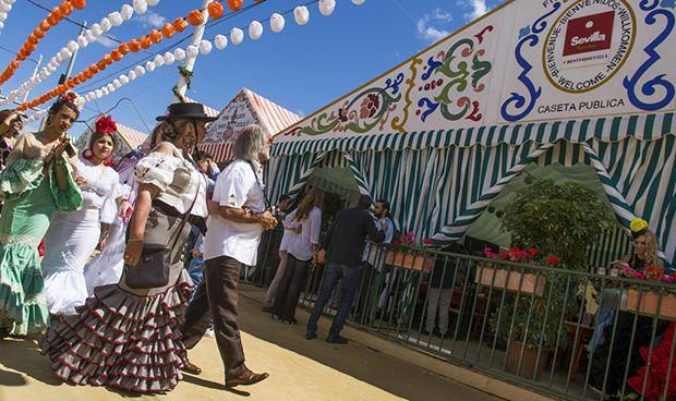 Los médicos sevillanos claman por una caseta en la Feria de Abril