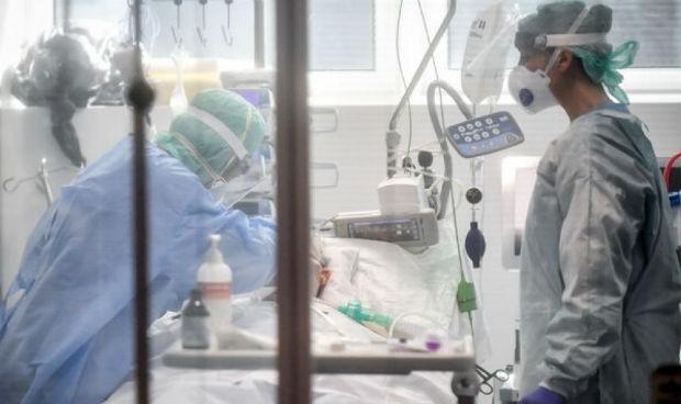 Los médicos y el truco para hacer 'desaparecer' pacientes UCI Covid
