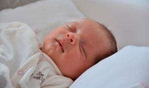 Los nacidos por cesárea, más propensos a sufrir obesidad y asma en la niñez