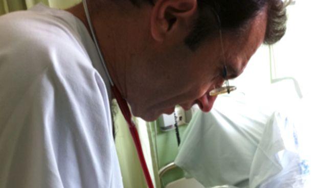 """Los neonatólogos tachan de """"temeridad"""" no cortar el cordón umbilical"""