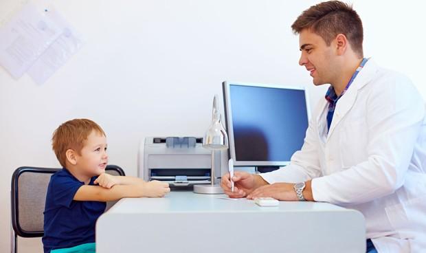Los niños de padres separados necesitan atención pediátrica al menos 2 años