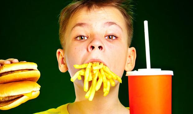 Los niños toman demasiado sodio con riesgo cardiovascular de por vida