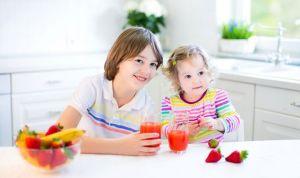 Los pediatras se pronuncian sobre los zumos: nunca antes del año de vida