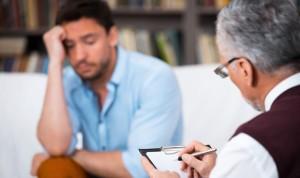Los psicólogos jóvenes encuentran más empleo de camarero que en la consulta