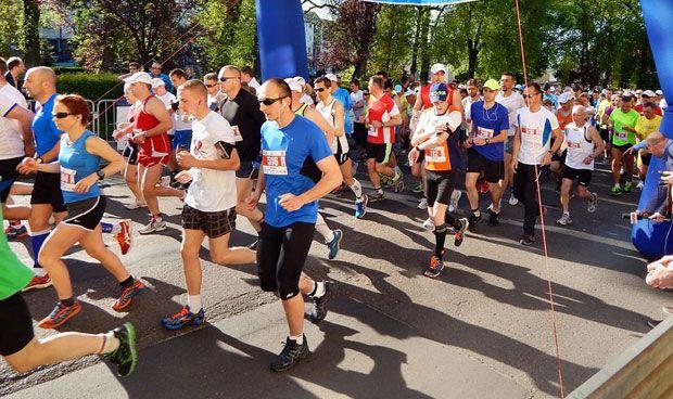 Los 'runners' se plantan en mitad de un examen de OPE sanitaria