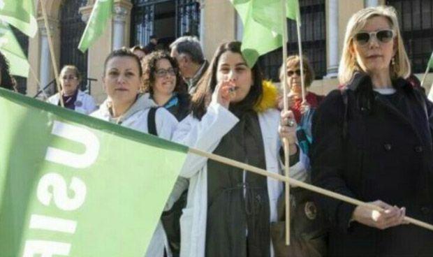 Los sanitarios asturianos de Atención Continuada amenazan con una huelga