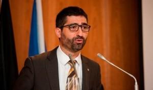 Los sanitarios catalanes cobrarán parte de la extra de 2013 antes de abril