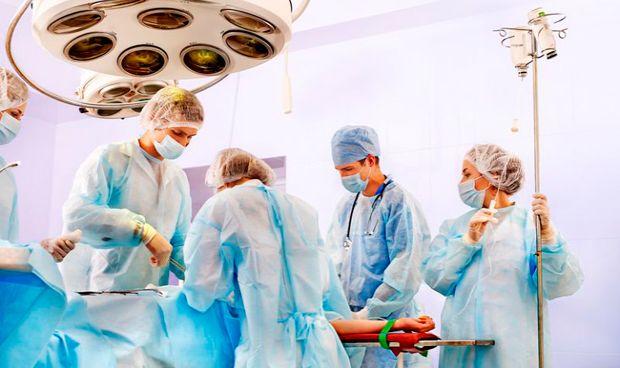 Los sanitarios españoles, entre los que más emigran fuera de Europa