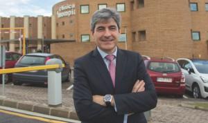 Los seguros de salud ahorrarían a Cantabria casi 2 millones de euros al año