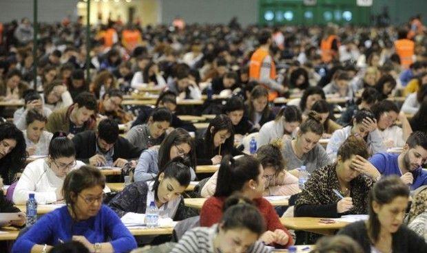 """Los sindicatos ven """"insuficiente"""" repetir los exámenes de las OPE filtradas"""