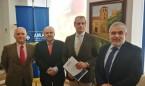 Los veterinarios de Granada firman la póliza colectiva de Vida con AMA