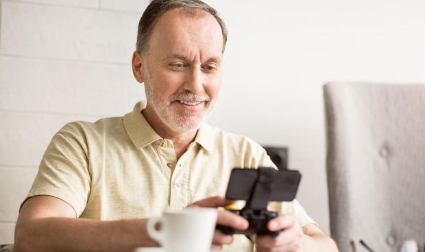 Los videojuegos previenen la demencia en ancianos con deterioro cognitivo