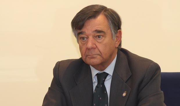 Luis González diluye la voz de los farmacéuticos ante la Asamblea