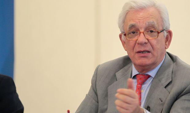 Madrid prepara una ley de Farmacia con más peso para el papel asistencial