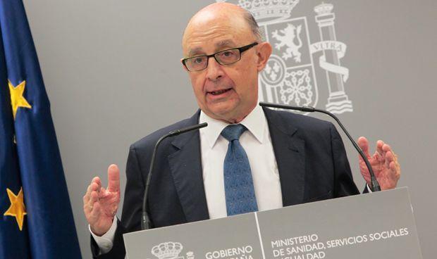 Madrid y Galicia liquidan más de la mitad de su deuda sanitaria en un año