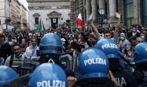 Manifestantes contra el pasaporte Covid en Roma asaltan un hospital